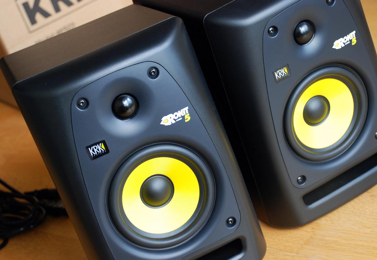 using studio monitors as everyday speakers. Black Bedroom Furniture Sets. Home Design Ideas