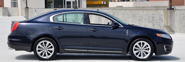 2009 Lincoln MKS Luxury Sedan Side Profile