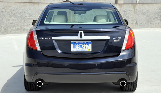 Rear - 2009 Lincoln MKS Luxury Sedan