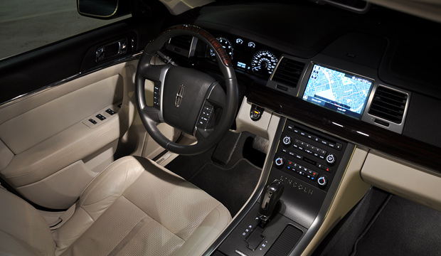 2009 Lincoln MKS Luxury Sedan Interior