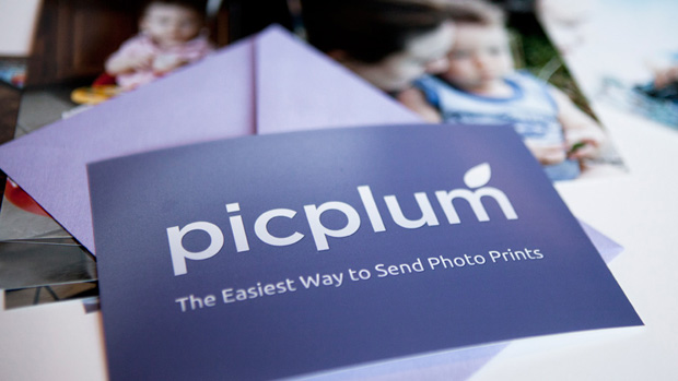 Picplum - The Easiest Way to Send Photo Prints Automatically