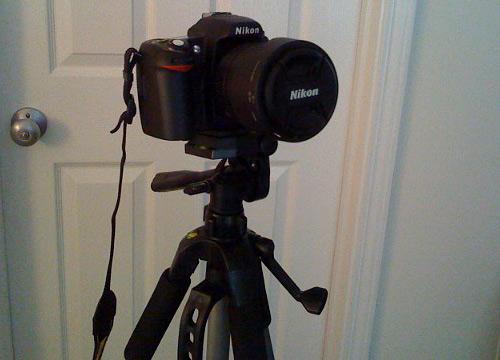 Digital Concepts TR-60N Tripod with Nikon D80 Camera