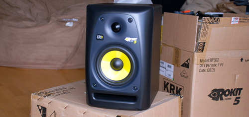 Unboxing of Rokit RP5G2 Studio Monitor