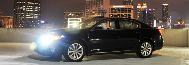 2009 Lincoln MKS Luxury Sedan - Atlanta Skyline