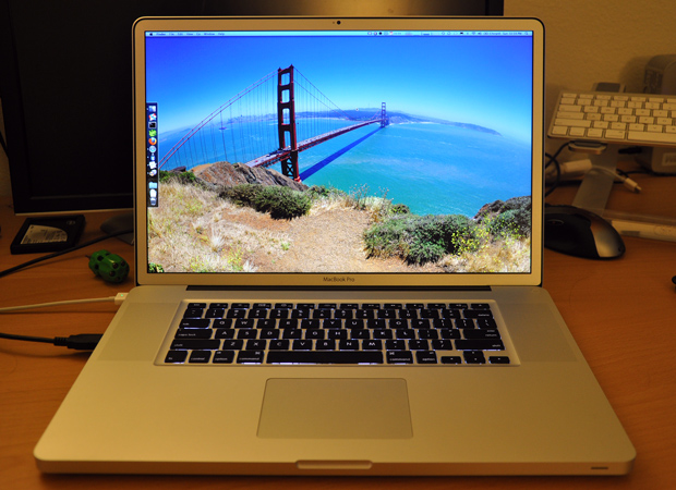 17-inch Apple MacBook Pro with antiglare screen
