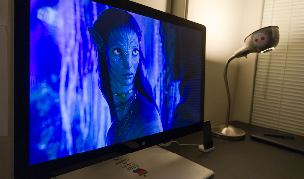 Apple 27-inch LED Cinema Display - Angled look at Avatar