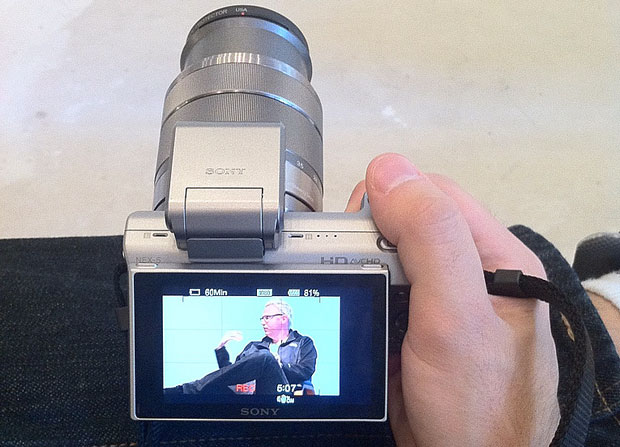 Sony NEX-5 recording closeup HD video