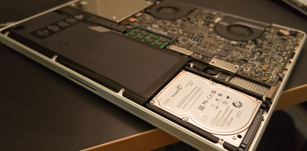 Seagate Momentus XT Installed in Apple MacBook Pro