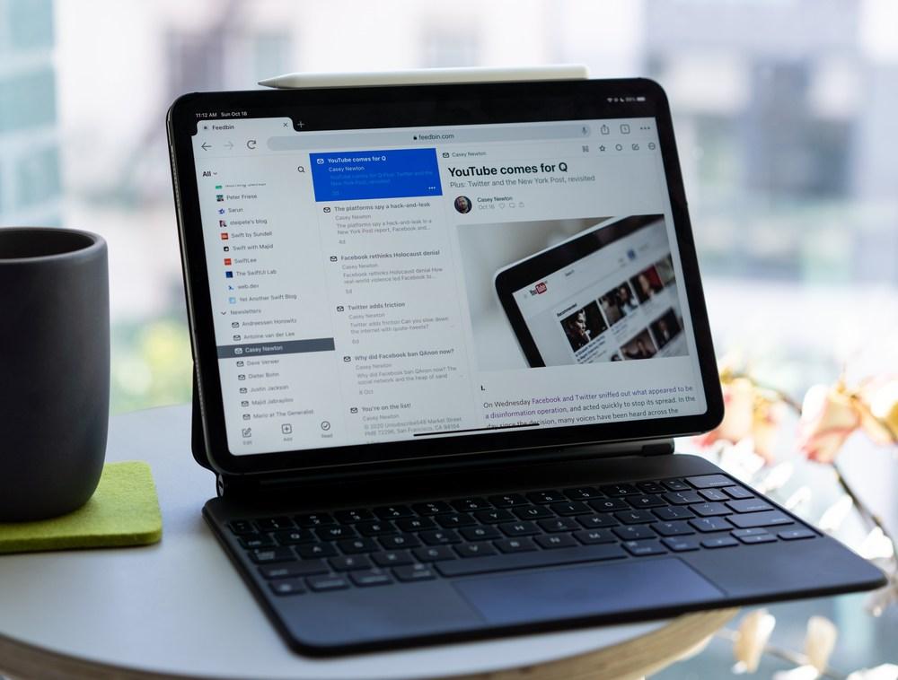 Feedbin on my iPad Pro
